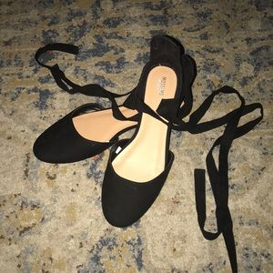 Adorable black suede Mossimo lace up ballet flats!
